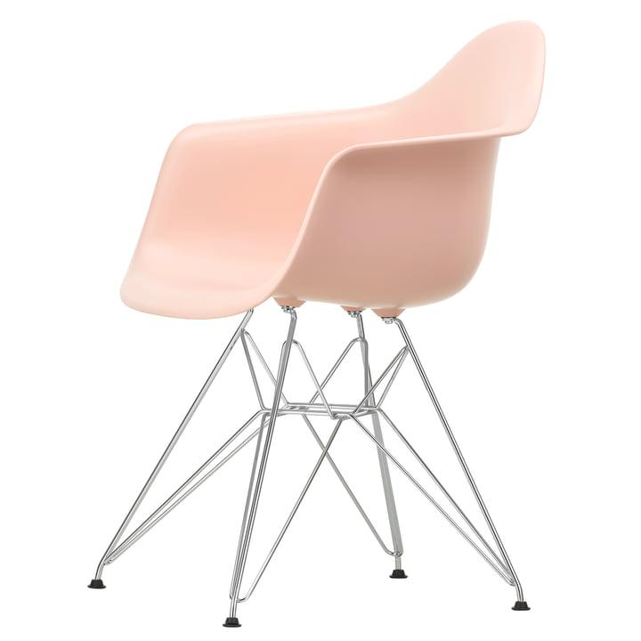 Eames Plastic Armchair DAR von Vitra in verchromt / zartrosé