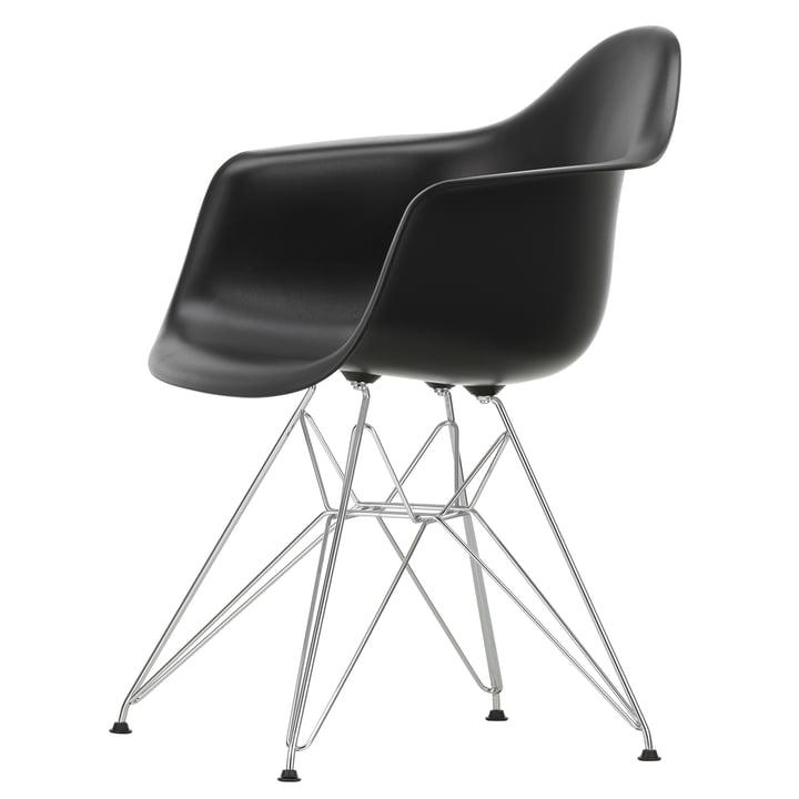 Eames Plastic Armchair DAR von Vitra in verchromt / tiefschwarz