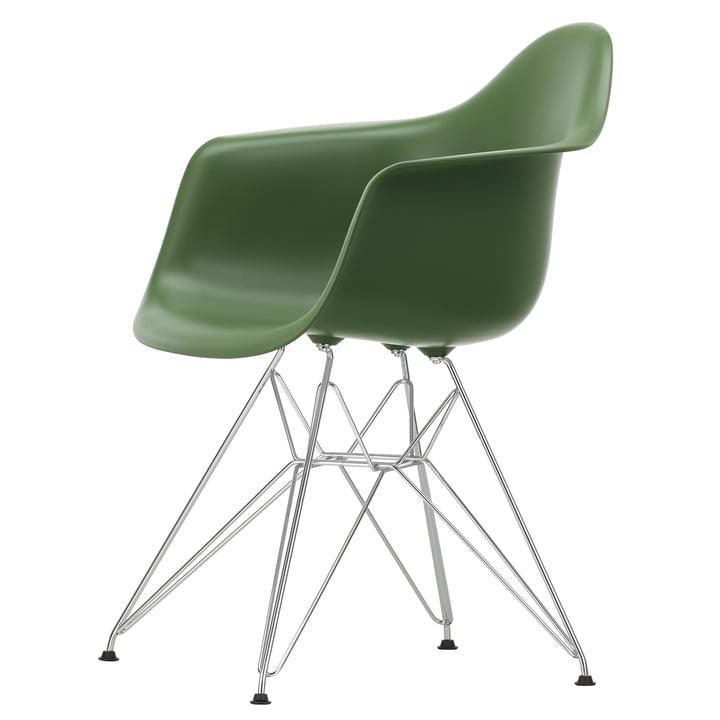Eames Plastic Armchair DAR von Vitra in verchromt / forest