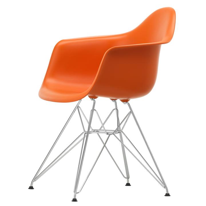 Eames Plastic Armchair DAR von Vitra in verchromt / rostorange