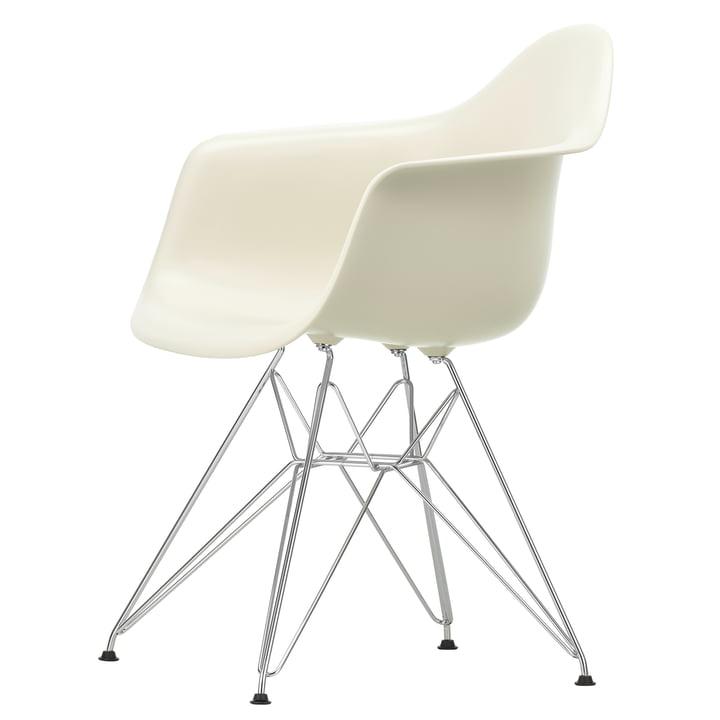 Eames Plastic Armchair DAR von Vitra in verchromt / kieselstein