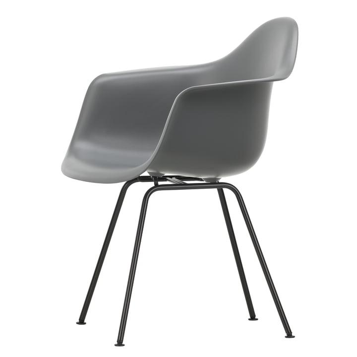 Eames Plastic Armchair DAX von Vitra in basic dark / granitgrau