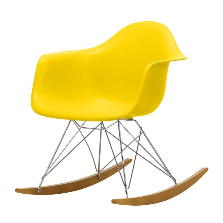 Eames Plastic Armchair RAR von Vitra in Ahorn gelblich / Chrom / sunlight