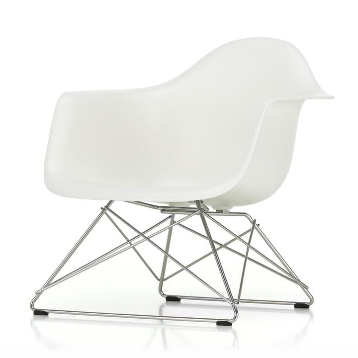 Eames Plastic Armchair LAR von Vitra in verchromt / weiß