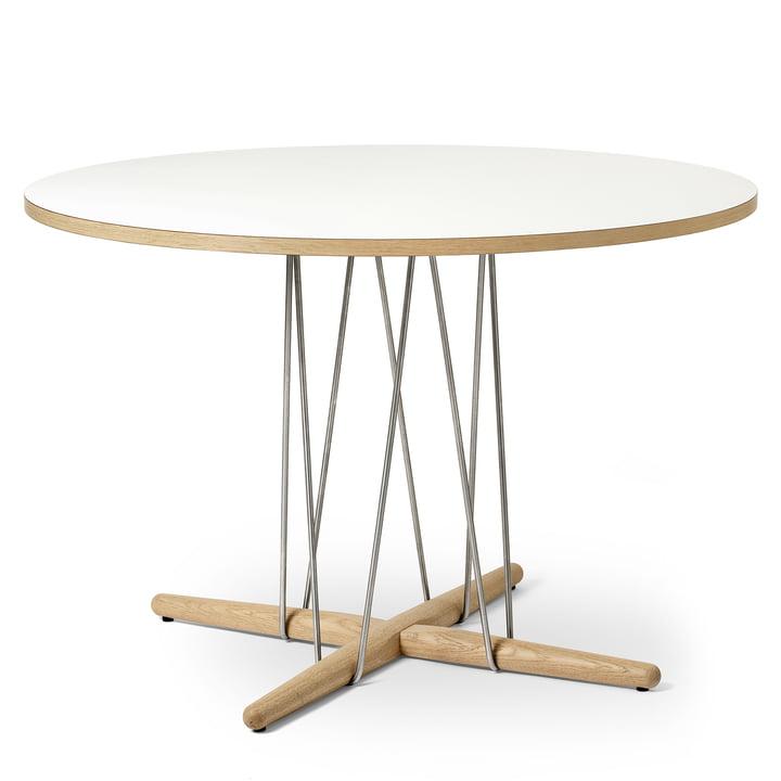 E020 Embrace Tisch Ø 110 cm in Eiche weiß geölt / Laminat weiß / Stahl verchromt von Carl Hansen