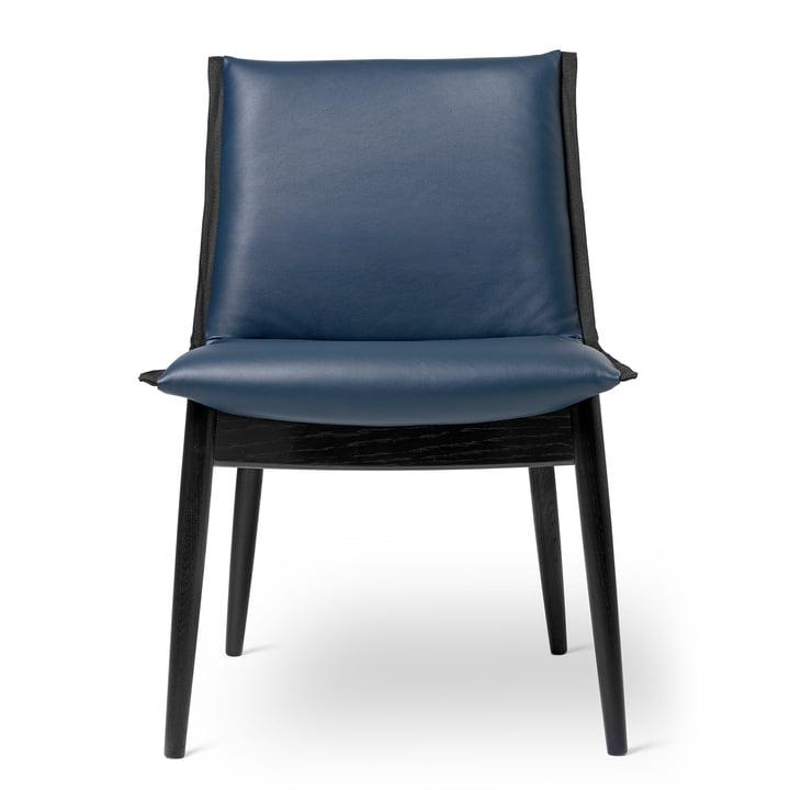 E004 Stuhl in Eiche schwarz lackiert / Leder Thor dunkelblau von Carl Hansen