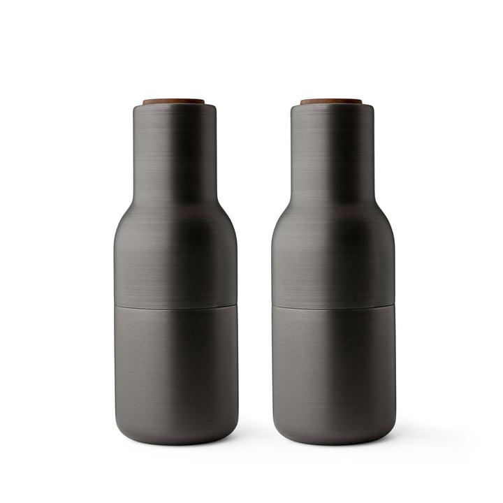 Bottle Salz- und Pfeffermühlen Set von Menu in Messing brüniert (Holzdeckel Walnuss)