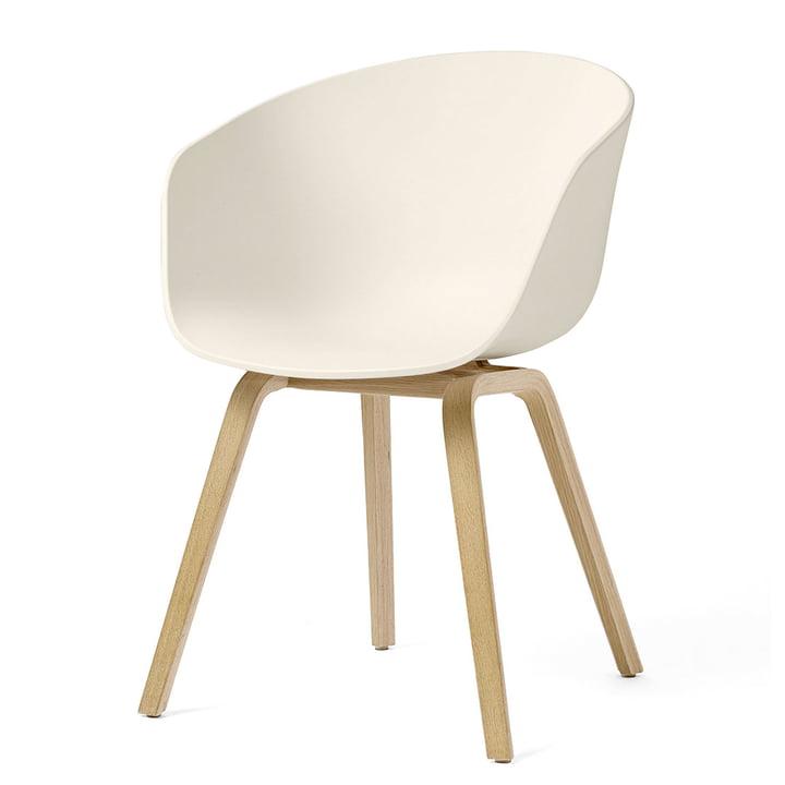About A Chair AAC 22 Holz-Vierbeingestell, Eiche geseift / cream white (Filzgleiter) von Hay