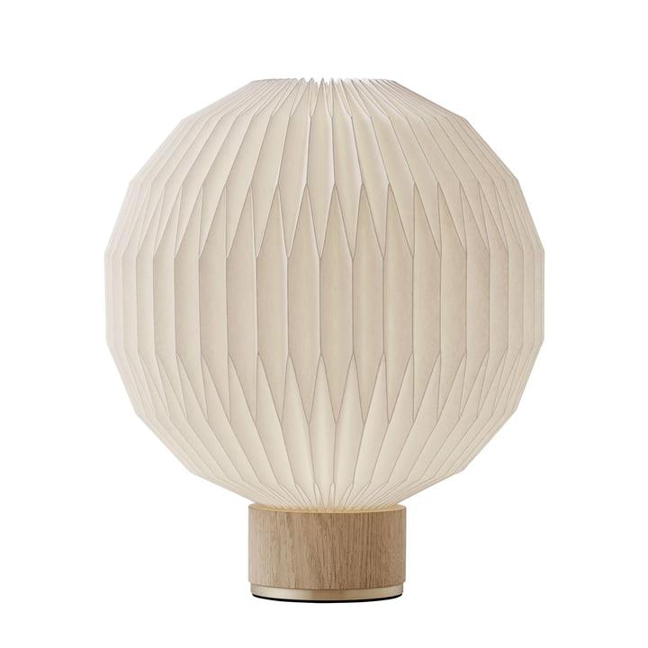375 Tischleuchte medium von Le Klint in Eiche / weiß