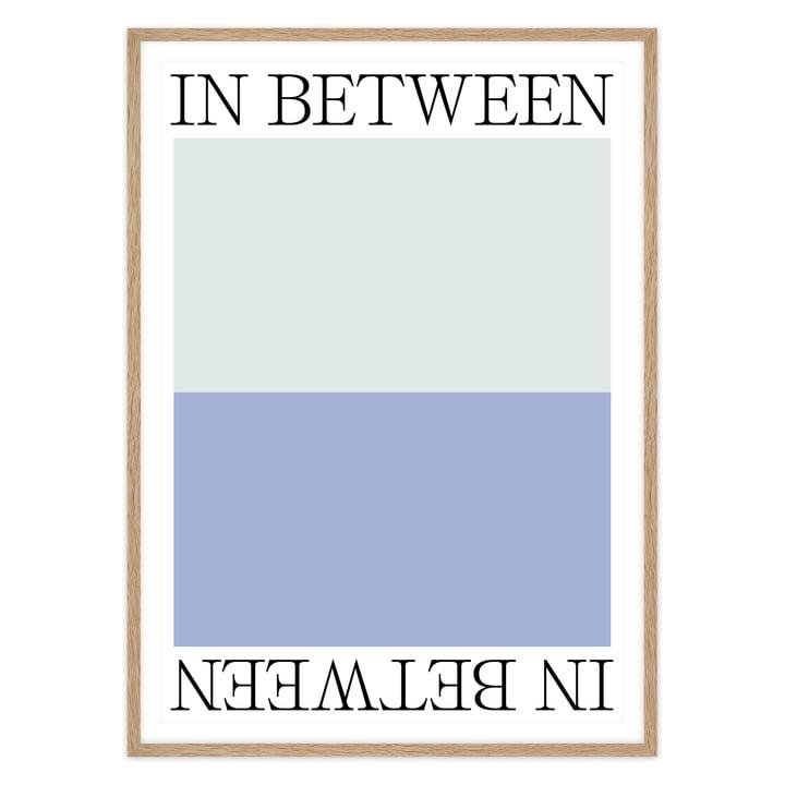 artvoll - In Between 1 Poster mit Rahmen, Eiche natur