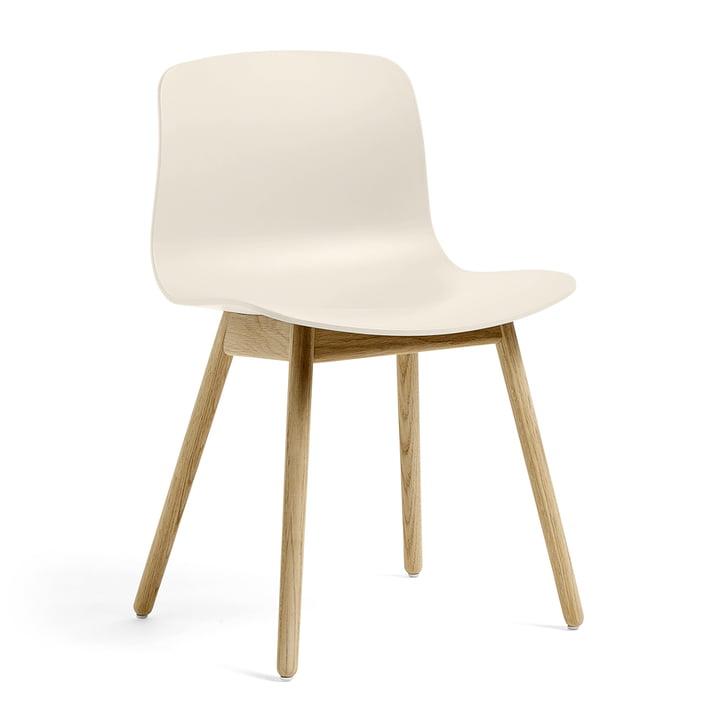 About A Chair AAC 12 von Hay in Eiche matt lackiert / cream white
