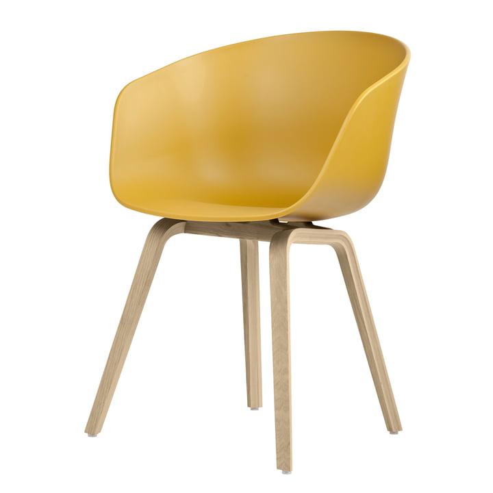 About A Chair AAC 22 von Hay in Eiche matt lackiert / mustard