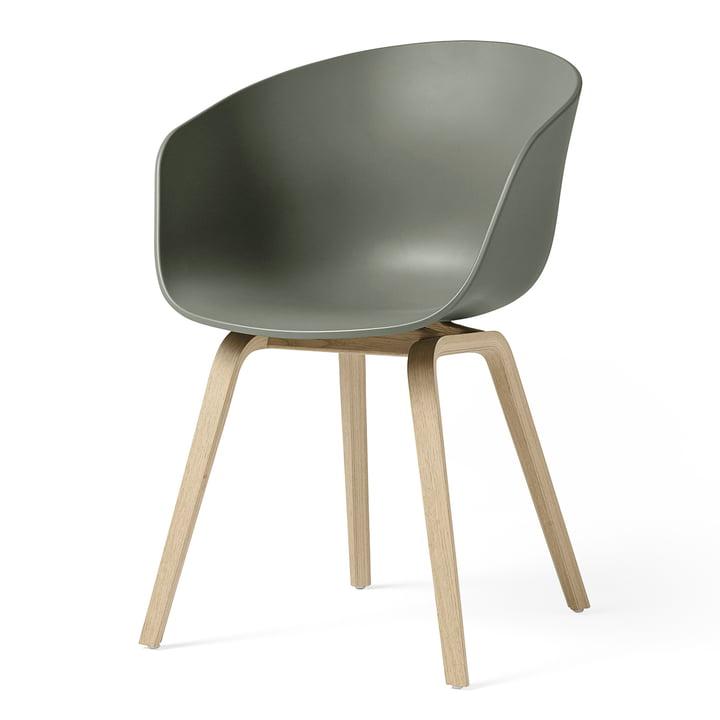 About A Chair AAC 22 von Hay in Eiche matt lackiert / dusty green