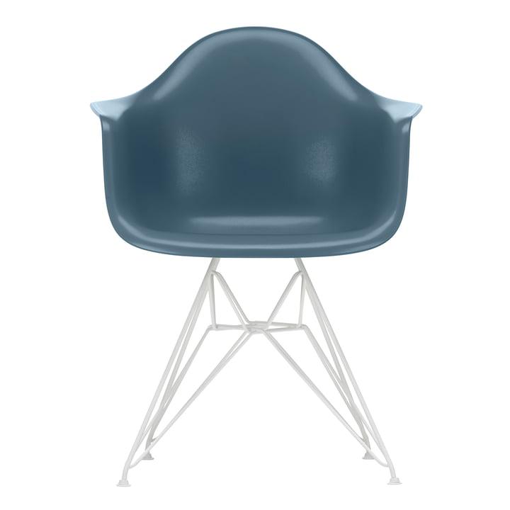 Eames Plastic Armchair DAR von Vitra in weiß / meerblau (Filzgleiter weiß)