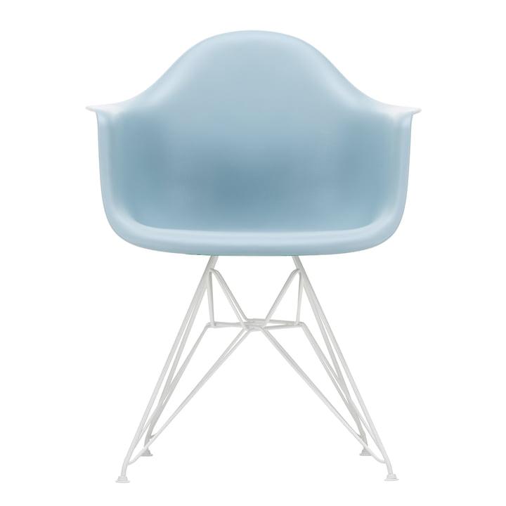 Eames Plastic Armchair DAR von Vitra in weiß / eisgrau (Filzgleiter weiß)