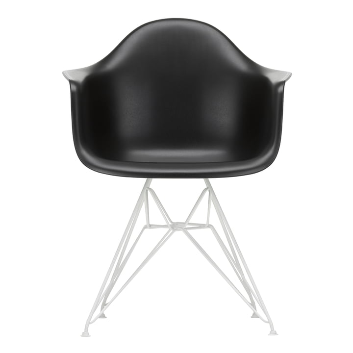 Eames Plastic Armchair DAR von Vitra in weiß / tiefschwarz (Filzgleiter weiß)