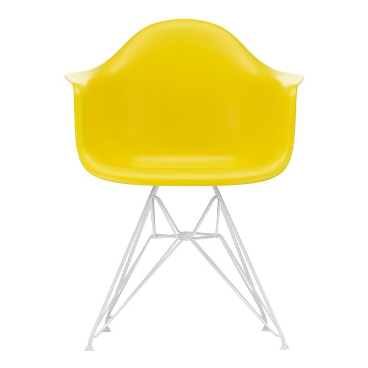 Eames Plastic Armchair DAR von Vitra in weiß / sunlight (Filzgleiter weiß)