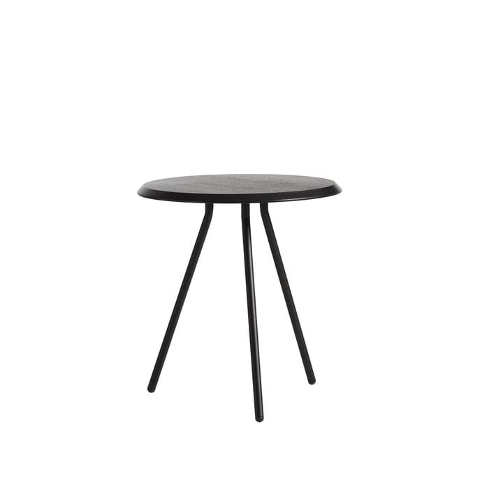 Soround Side Table H 48,3 cm / Ø 45 cm von Woud in Eiche schwarz lackiert