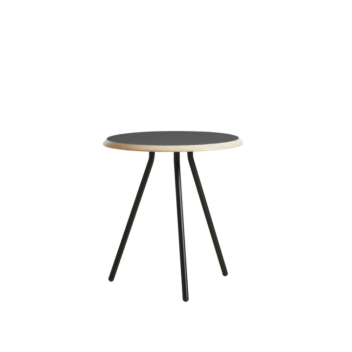 Soround Side Table H 48,3 cm / Ø 45 cm von Woud in Laminat schwarz (Nano)