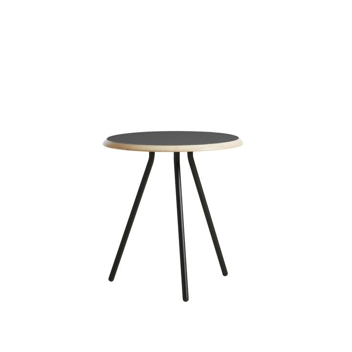 Soround Side Table H 48,3 cm / Ø 45 cm von Woud in Laminat schwarz (Nano)