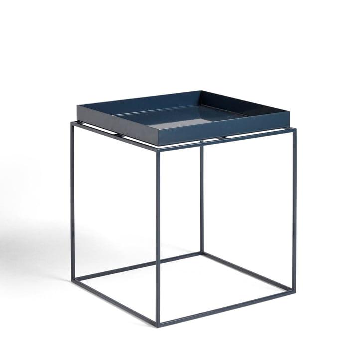 Tray Table 40 x 40 cm von Hay in tiefblau glänzend