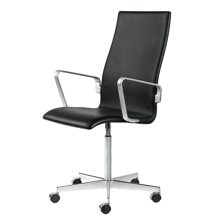 Fritz Hansen - Oxford Classic Stuhl mit Armlehnen, mittlerer Rücken, höhenverstellbar, Aluminium hochglanz verchromt / Soft Leder schwarz (ungebremste Rollen für Hartböden)