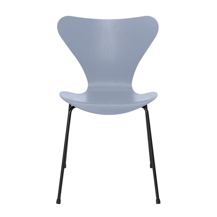 Serie 7 Stuhl von Fritz Hansen in Esche lavender blue gefärbt / Gestell schwarz