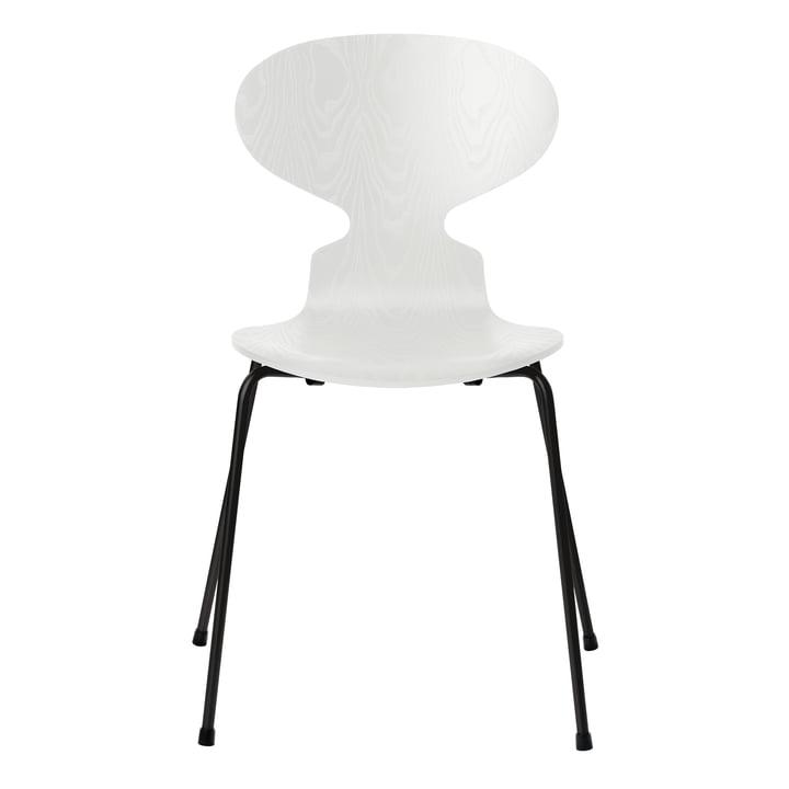 Ameise Stuhl von Fritz Hansen in Esche weiß gefärbt / Gestell schwarz