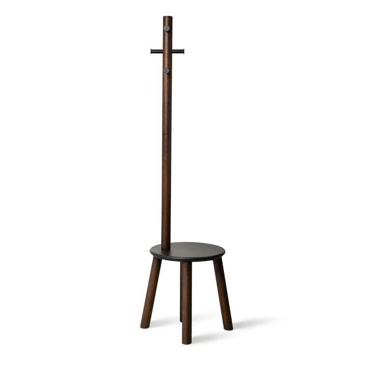 Der Pillar Hocker / Garderobenständer von Umbra in schwarz