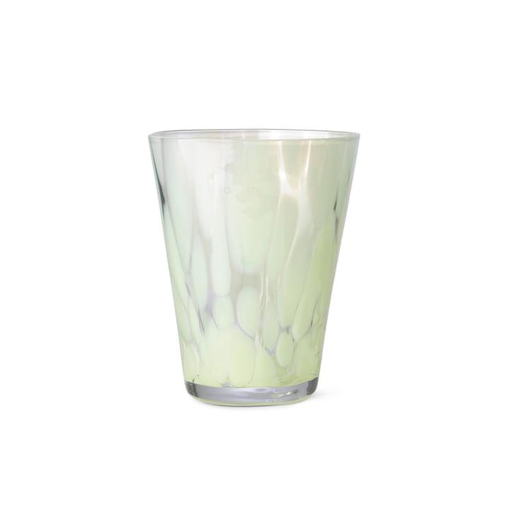 Das Casca Trinkglas von ferm Living in fog green