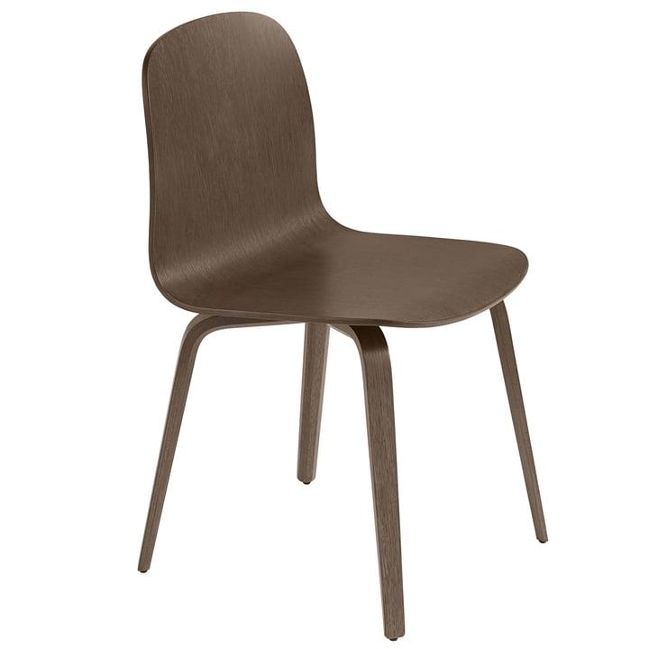 Der Visu Stuhl in Eiche dunkelbraun gebeizt von Muuto