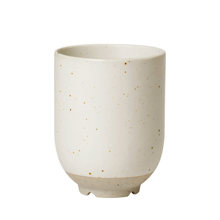 Die Eli Tasse von Broste Copenhagen in soft light grey matt