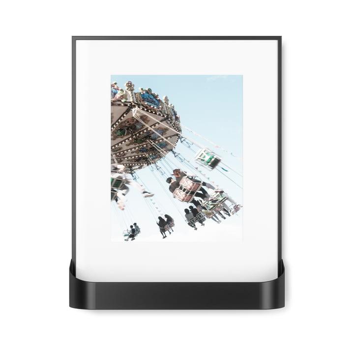 Der Matinee Bilderrahmen mit Ablage von Umbra in schwarz