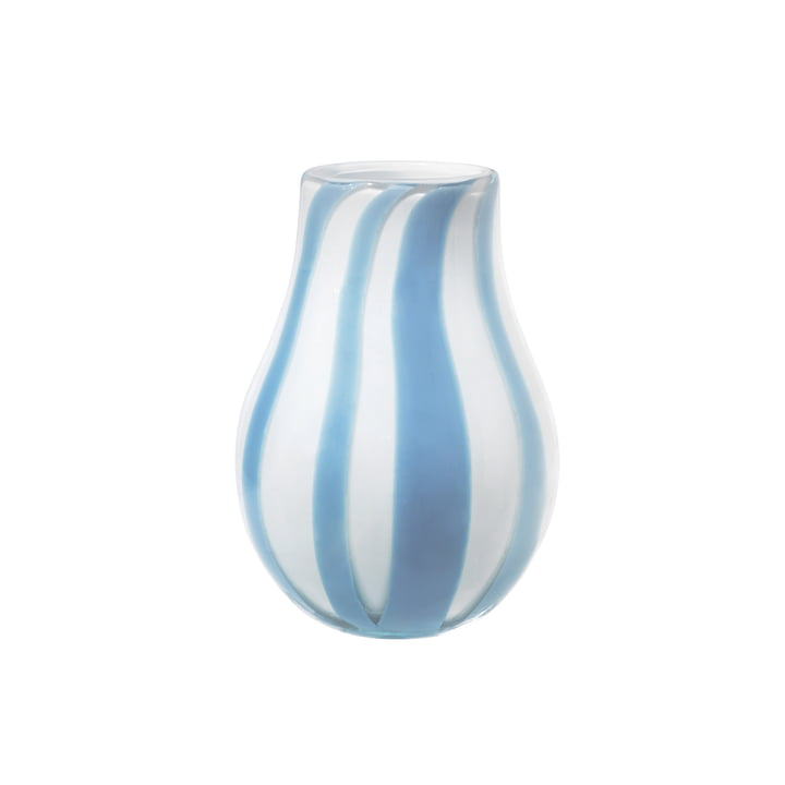 Die Ada Stripe Vase von Broste Copenhagen in hellblau