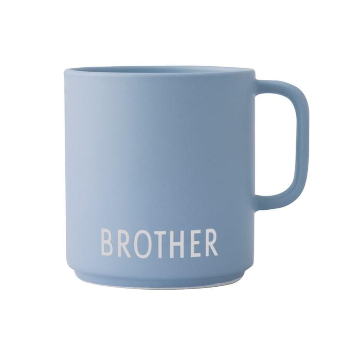 Der AJ Mini Favourite Porzellan Becher mit Henkel von Design Letters, Brother / hellblau