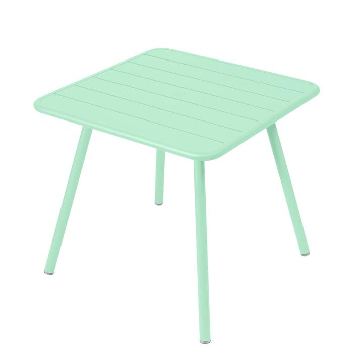 Der Luxembourg Tisch von Fermob, quadratisch (4 Beine), 80 x 80 cm, opalgrün