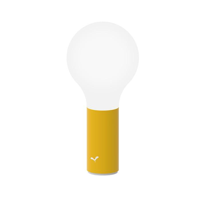 Die Aplô Outdoor-Leuchte von Fermob, H 24 cm, honig