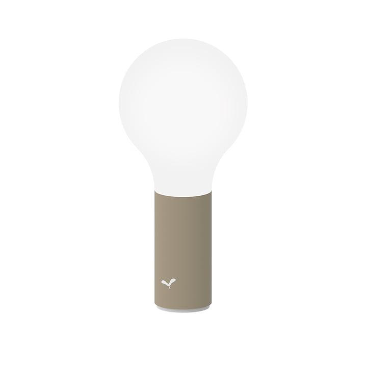 Die Aplô Outdoor-Leuchte von Fermob, H 24 cm, muskat