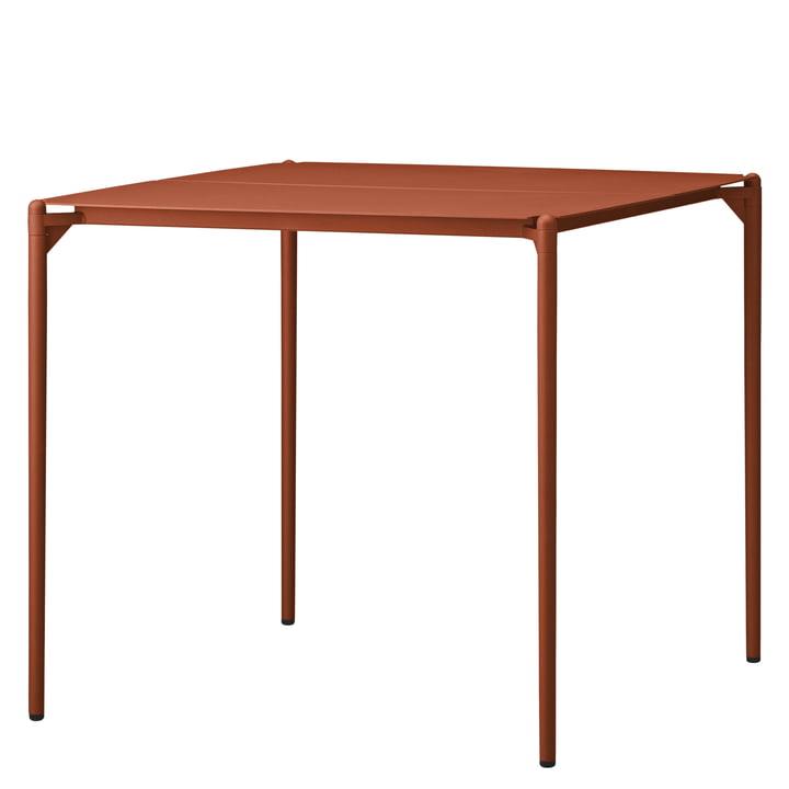 Der Novo Tisch von AYTM, 80 x 80 cm, ginger bread