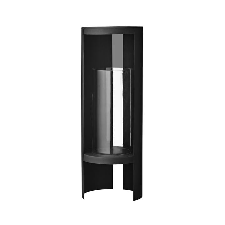 Das Ora Windlicht von AYTM, Ø 26,4 x H 73,4 cm, schwarz