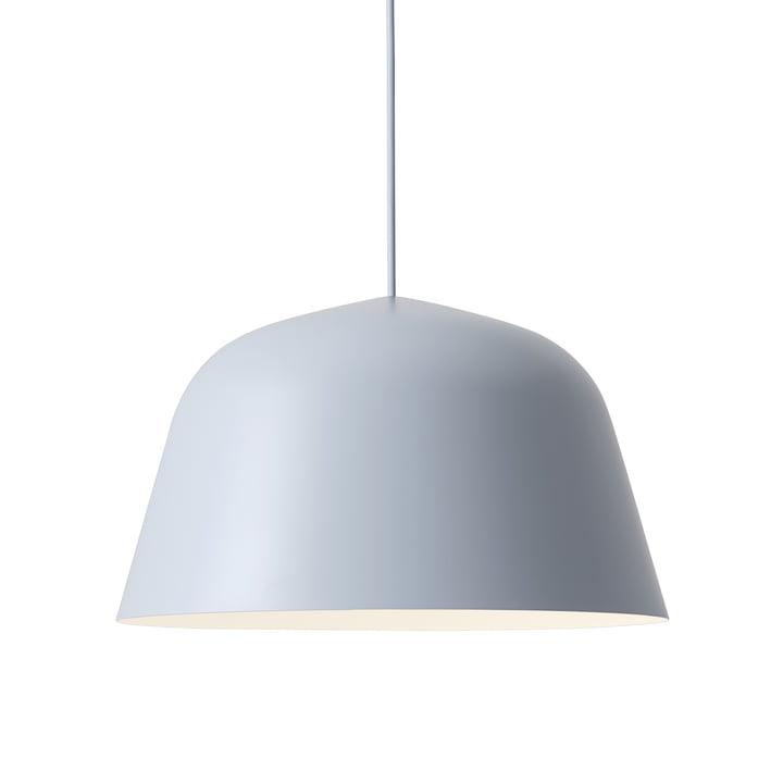 Ambit Pendelleuchte Ø 40 cm von Muuto in hellblau