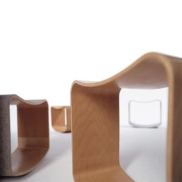 Der Wipphocker von Sirch im einfachen Design