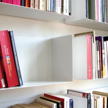 Dezentes linea1 a Bücher- und DVD-Regal in weiß