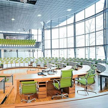 Aluminium Group EA 116 Bürostuhl von Vitra