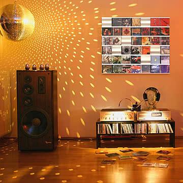 Kunstwerk aus CD-Covers mit dem Sigmarail Aluminium CD Regalsystem (SR7)