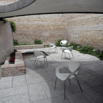 Der Vad Stuhl auch für Draußen auf der Terrasse