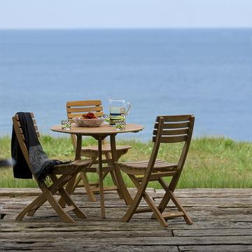 Robust und wetterfest: Skagerak Vendia Tisch und Stühle