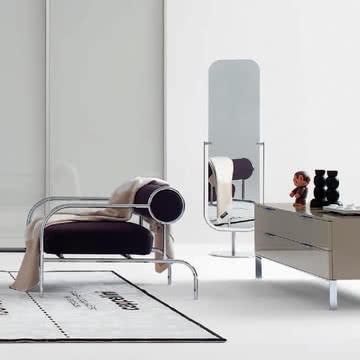 Schlicht und harmonisch: Cappellini Mirror Bodenspiegel