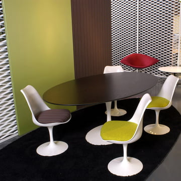 saarinen tulip stuhl von knoll im shop. Black Bedroom Furniture Sets. Home Design Ideas