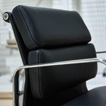 Vitra - Soft Pad Chair EA 217, Nahaufnahme Rückseite des Koptteils